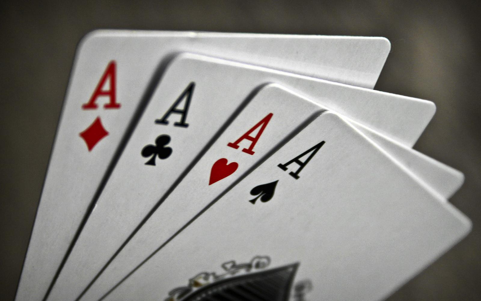 какие игры можно играть картами