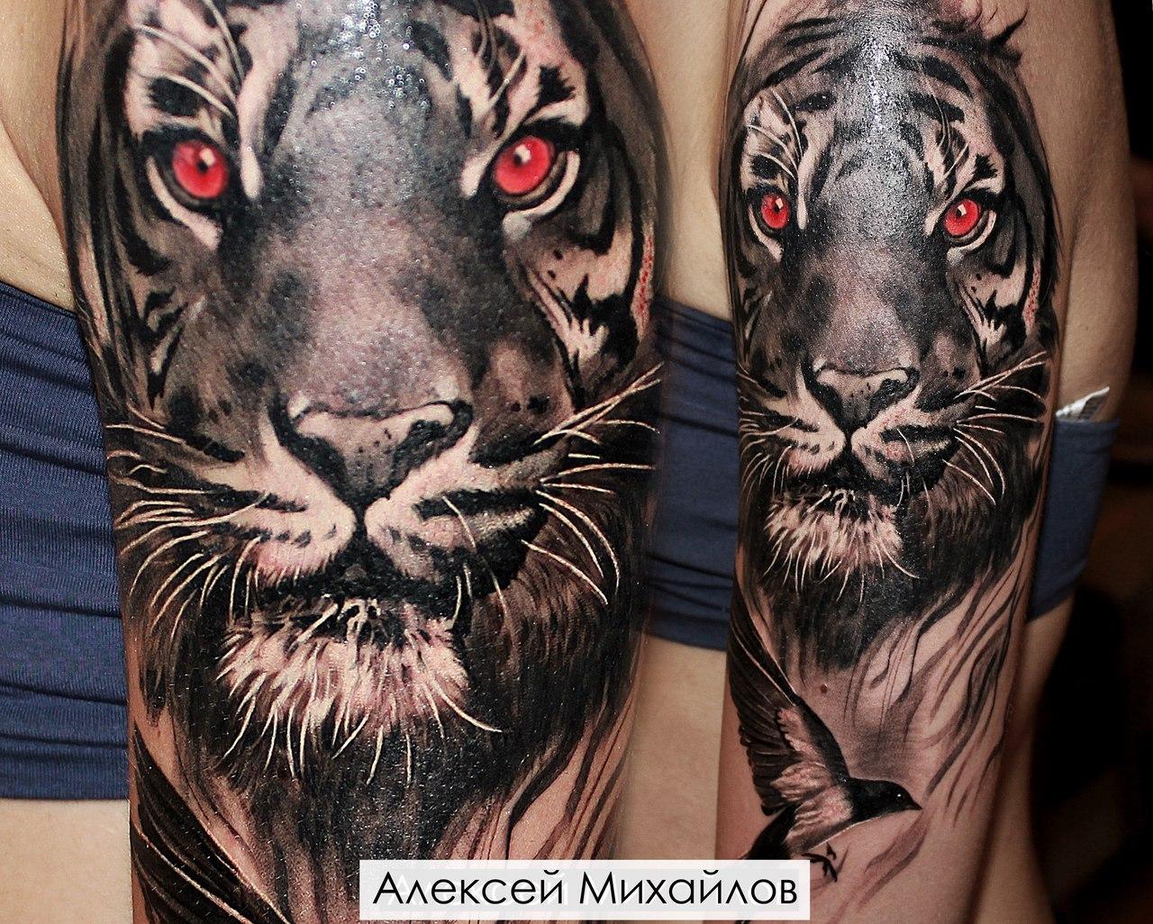 фото тигра тату на плече