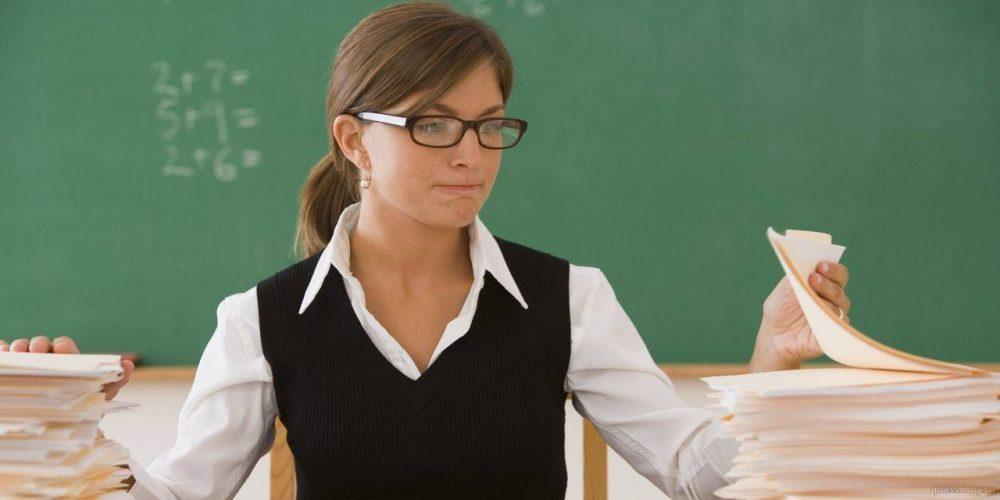 Учитель показывает свои принадлежности порно видео