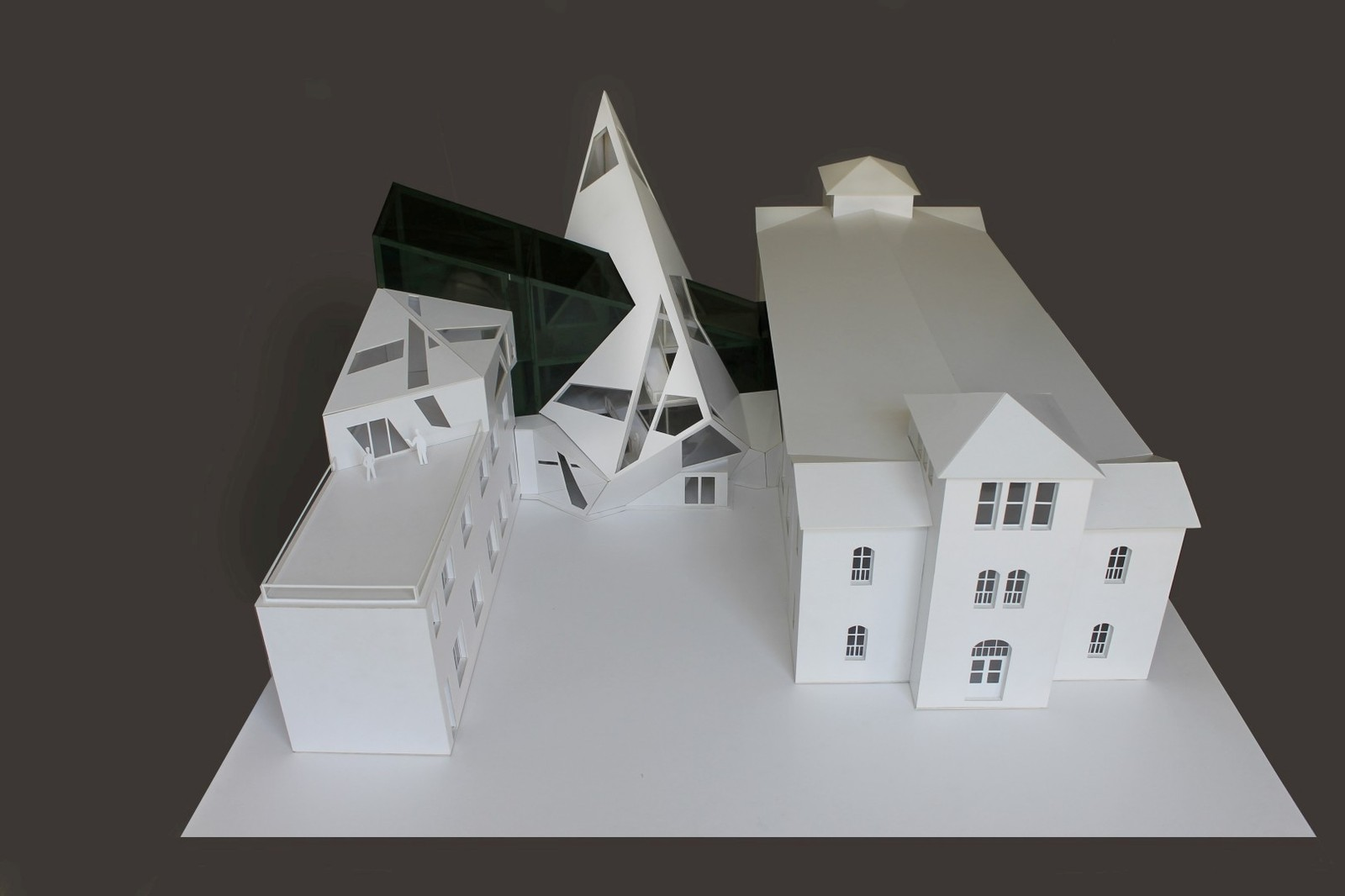 Дипломный макет в художке Дипломный макет в художке макет архитектура творчество здание деконструктивизм катрон