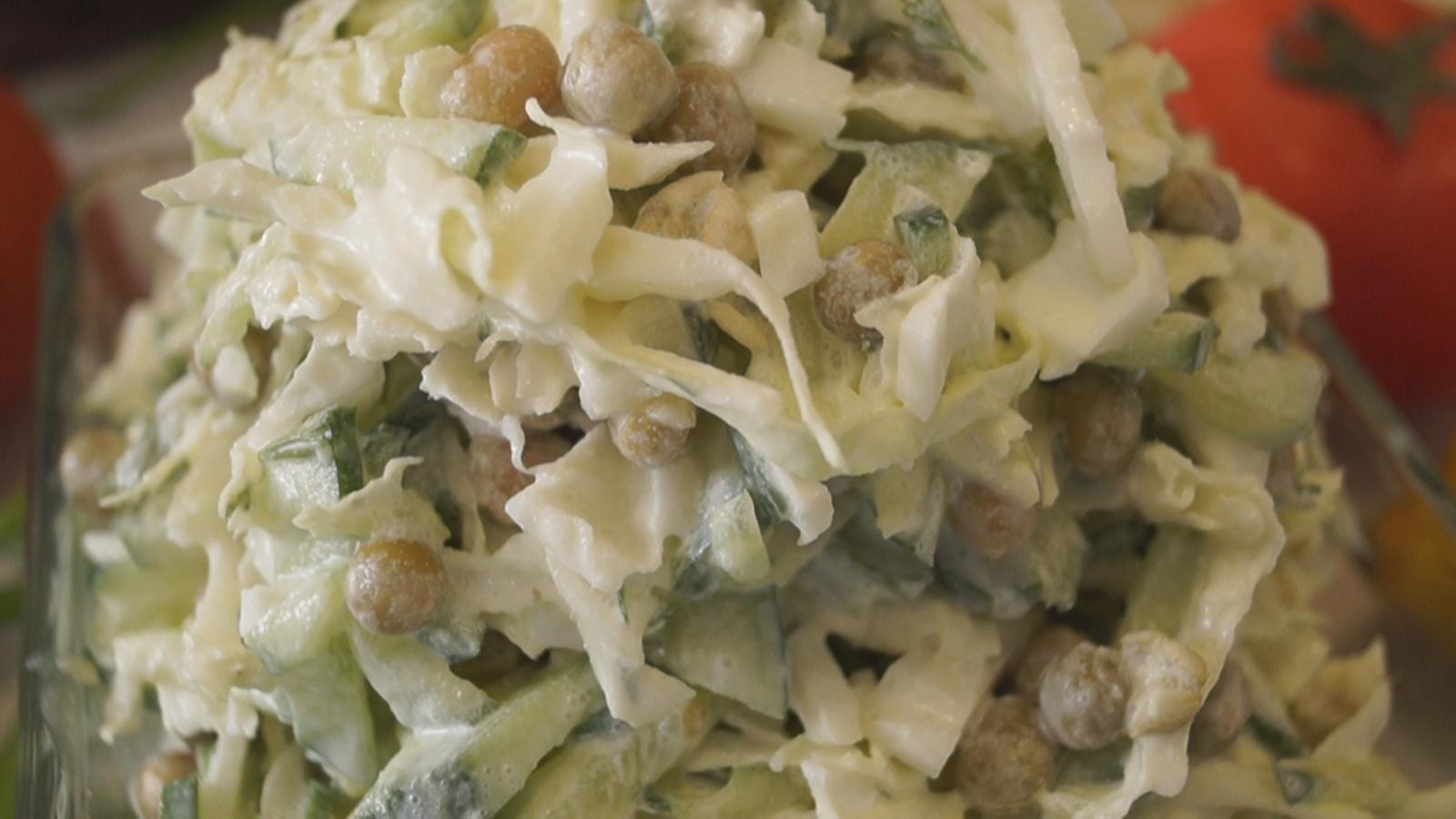 Салат из пекинской капусты с кукурузой  Пошаговый рецепт