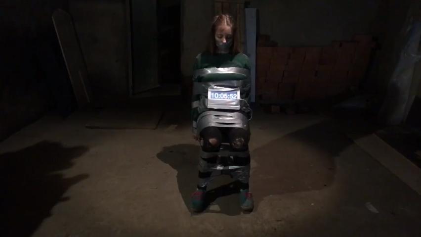 фото девушки заложницы связаны