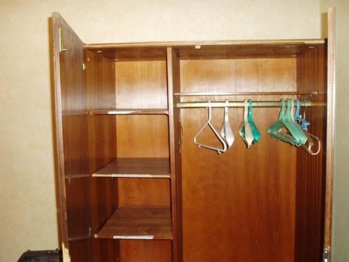 Со старого шкафа сделать своими руками 80
