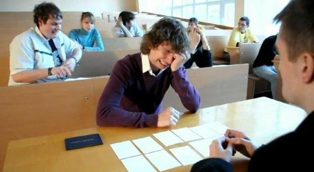 Глупая студентка сдает экзамен на дому у преподавателя фото 653-402