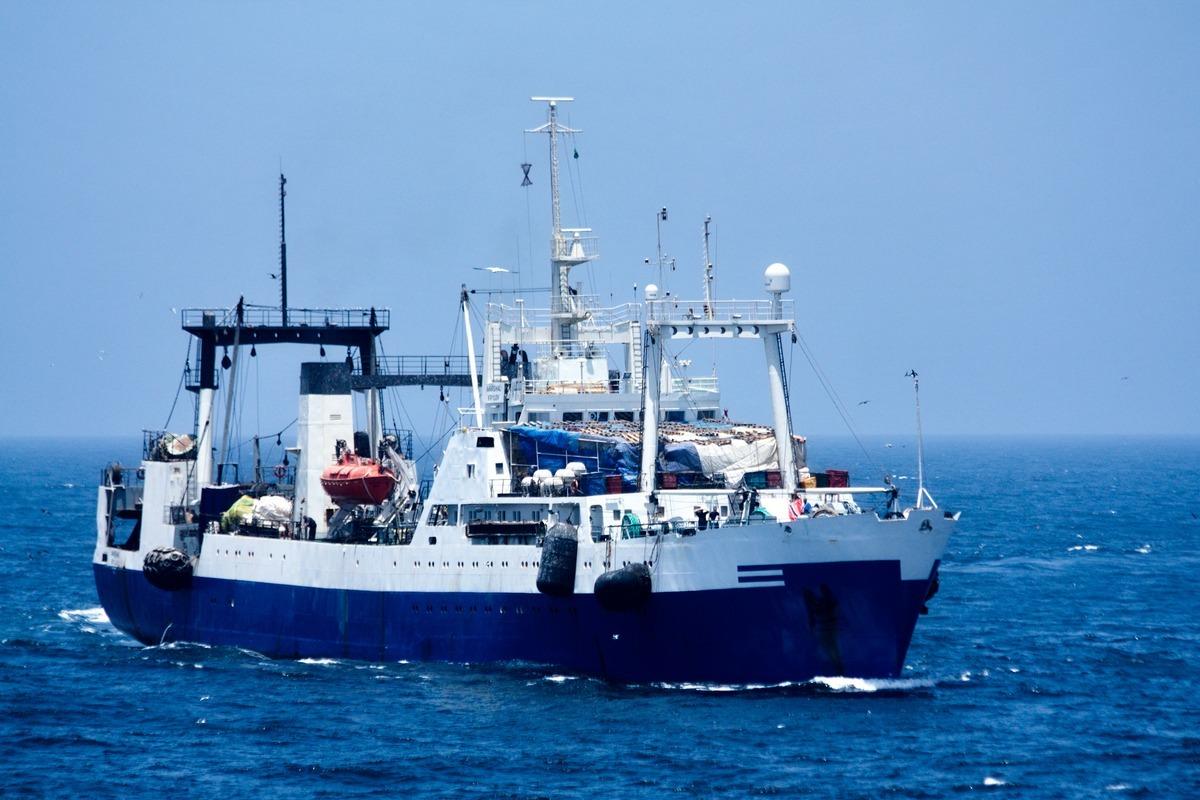 ловля рыбы с берега в средиземном море