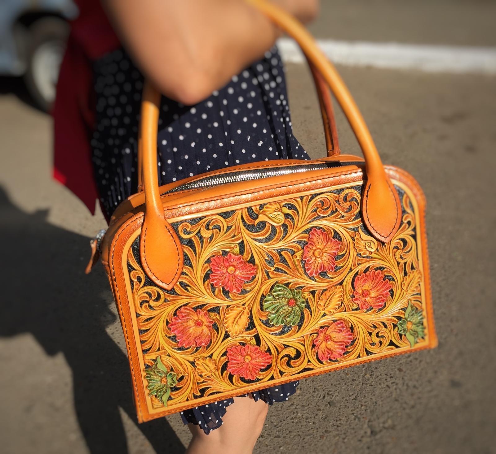 Женская сумка с тиснением шеридан
