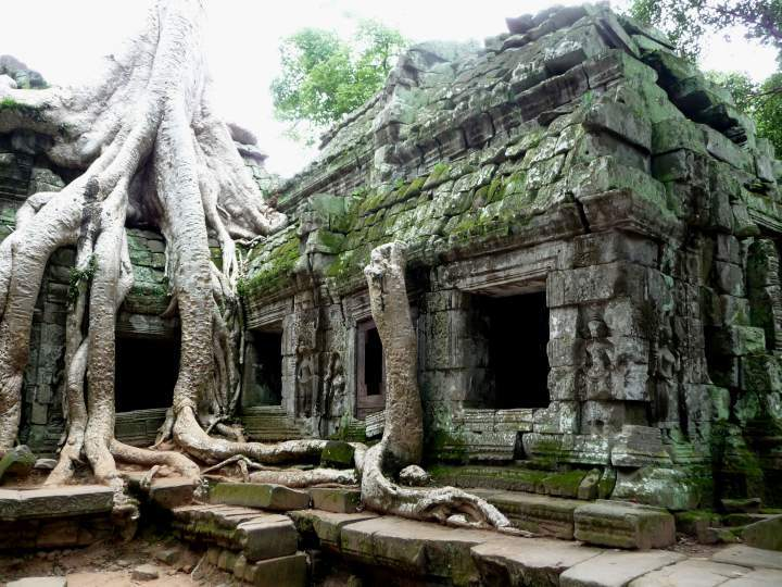 Секс в заброшенных храмах