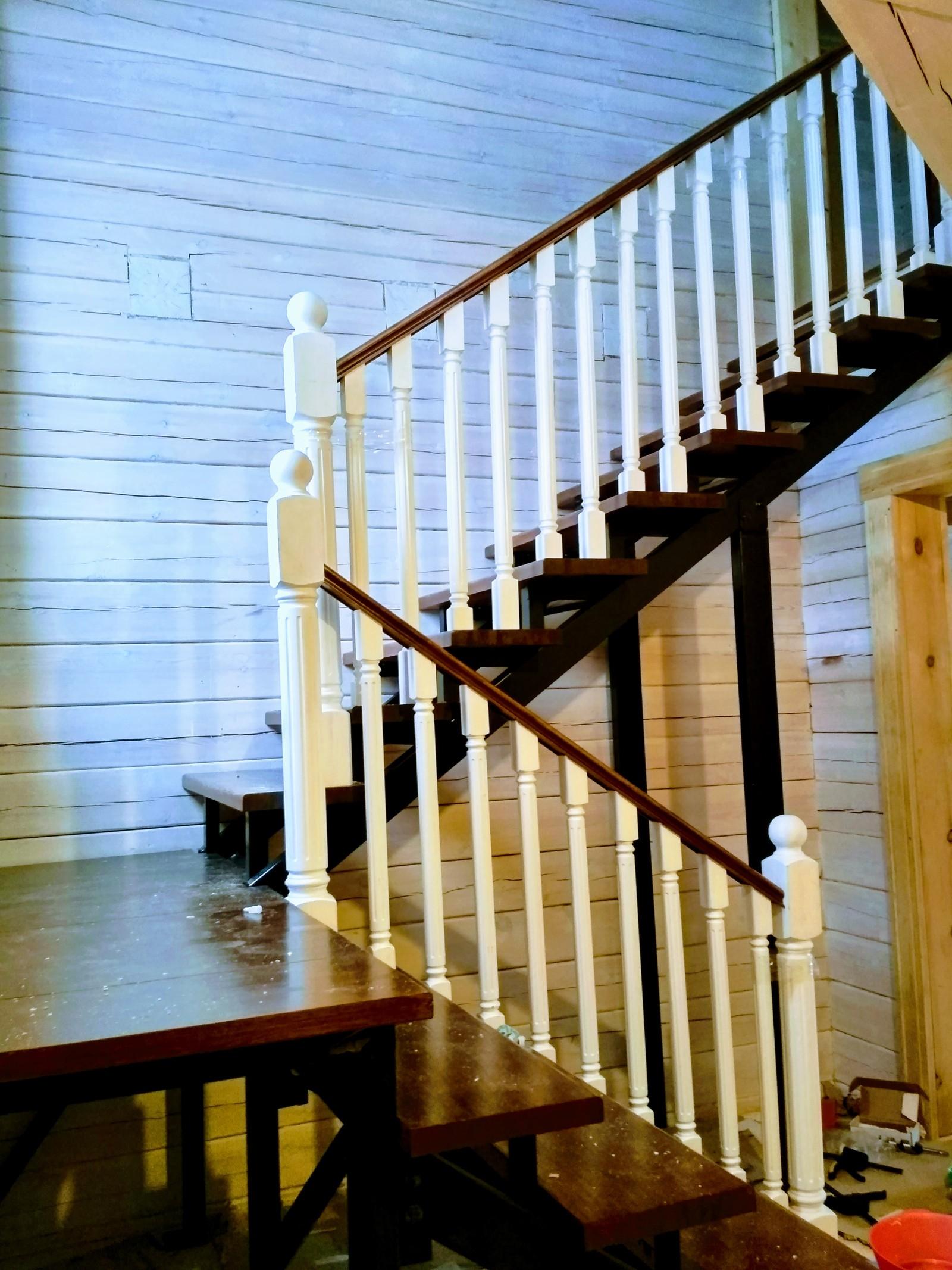 Столб для лестницы своими руками 35