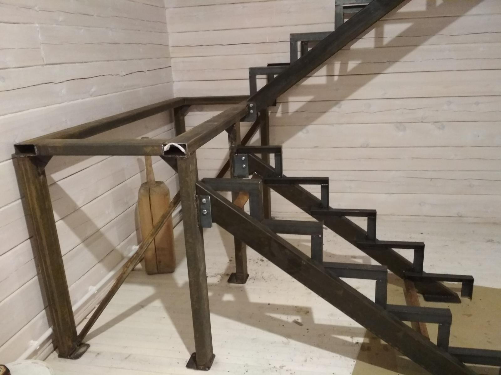 Фото изготовления монтажа лестницы