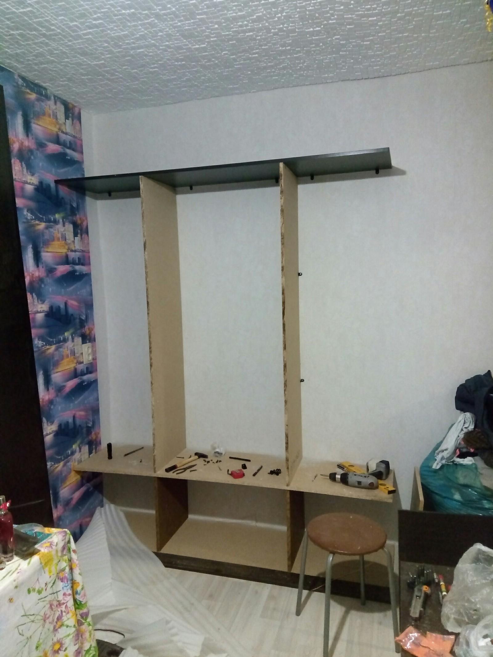Шкаф из подручных материалов своими руками