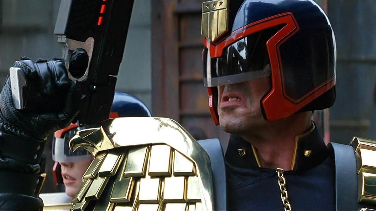 Фильм судья дредд с сильвестр сталлоне игры черепашки ниндзя флеш игры