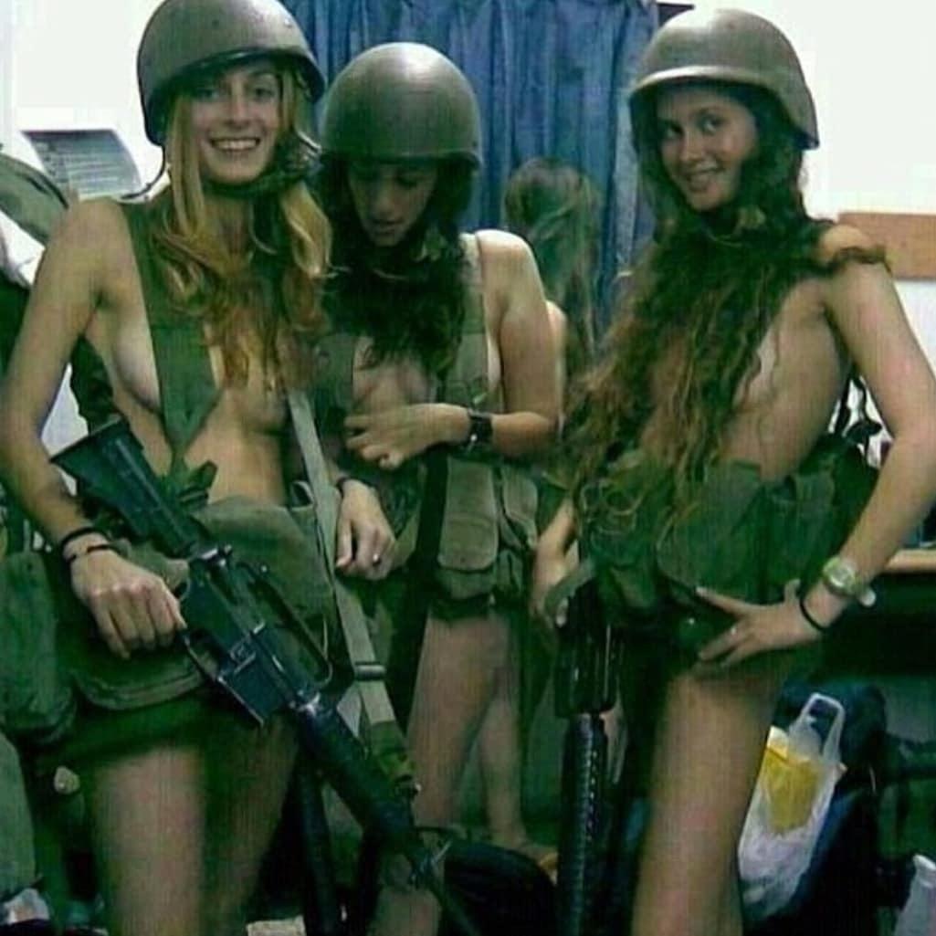 podborku-eroticheskih-foto-iz-armii-izrailya-razrivayut