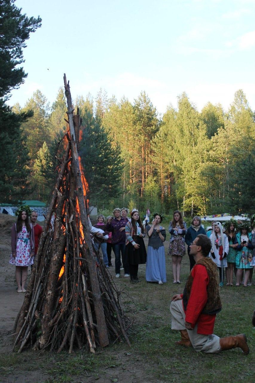 Ебут в детском лагере