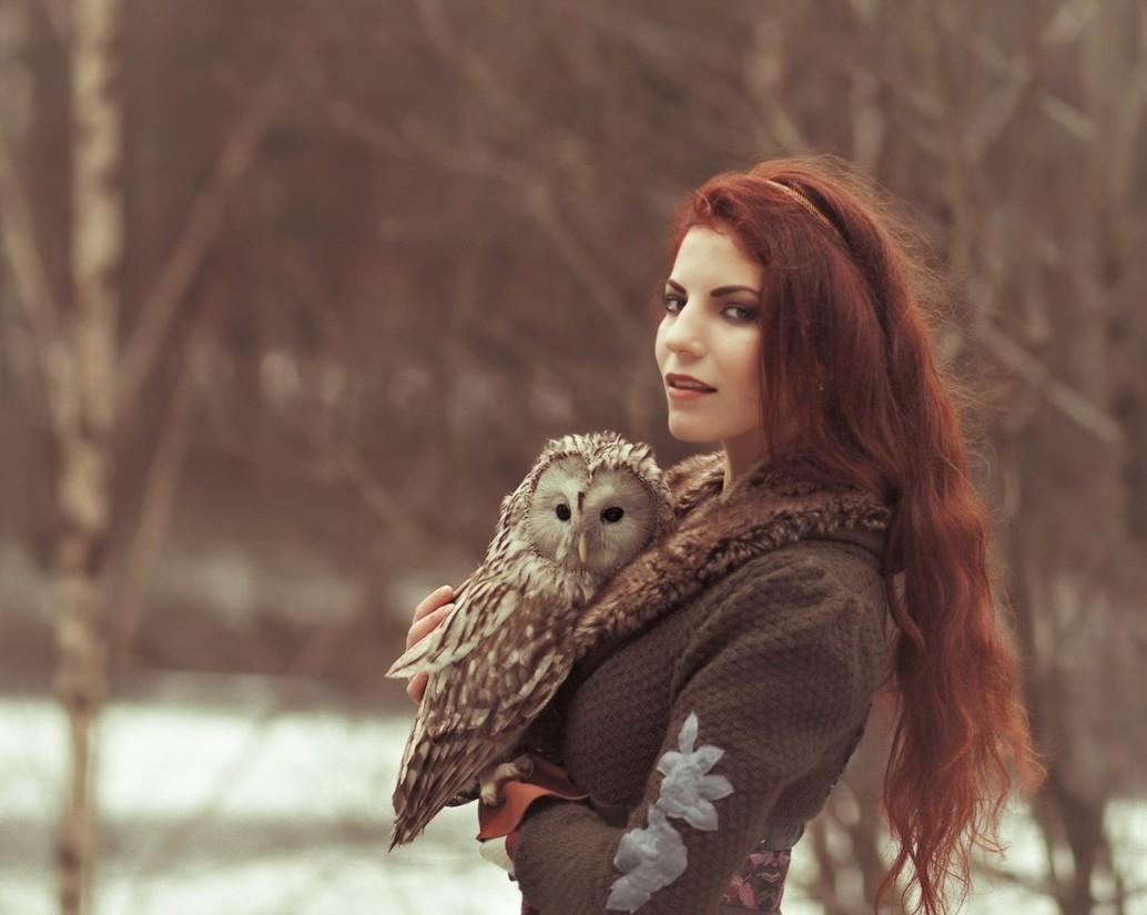Где девушка совы