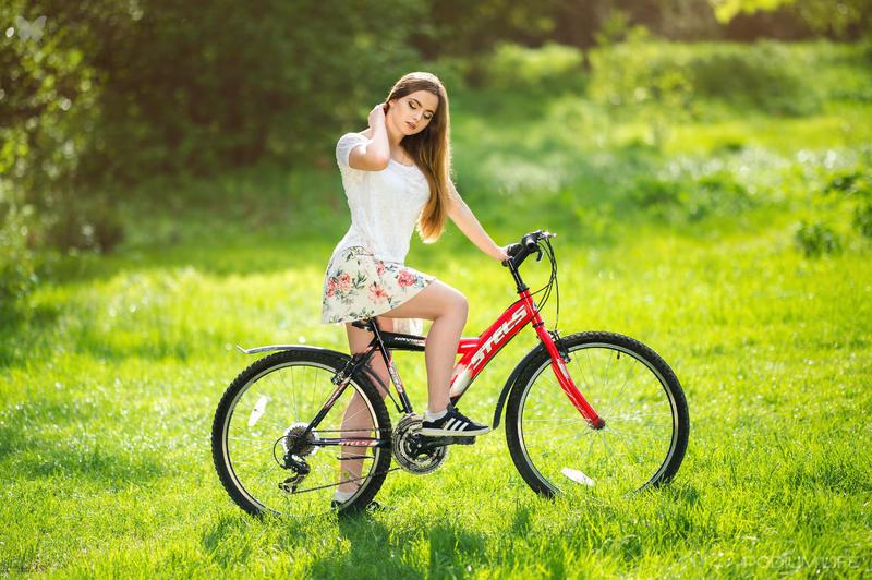 От велосипеда красивая попа