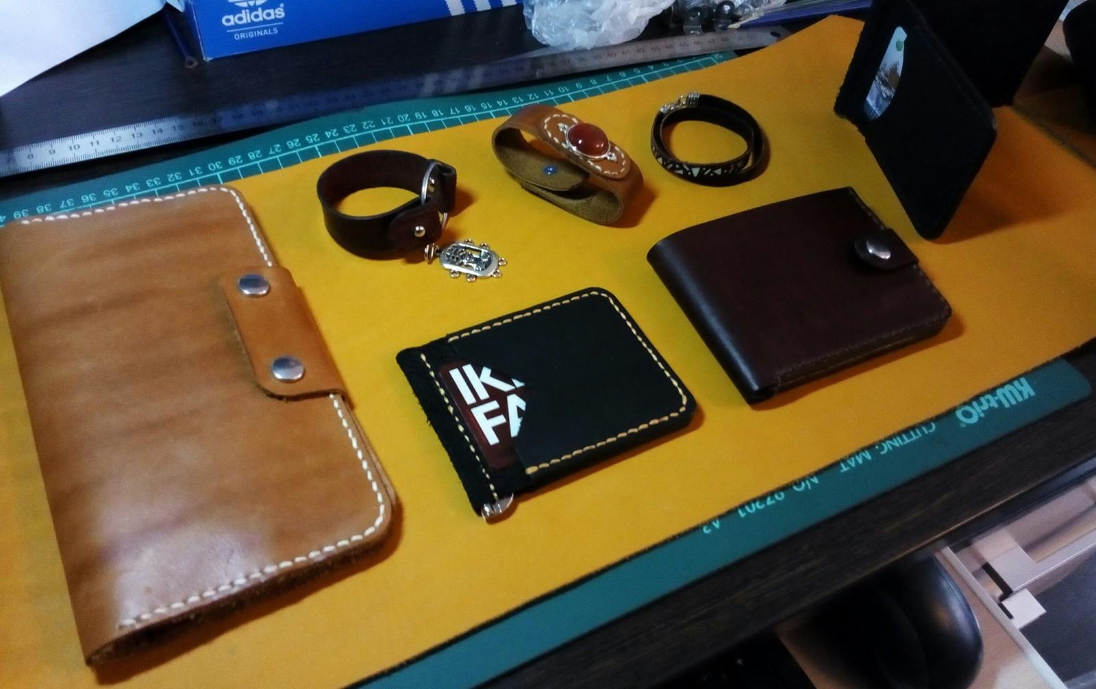 f5166a109f0f Великий Пикабу, помоги придумать название для мастерской по изготовлению кожаных  изделий.