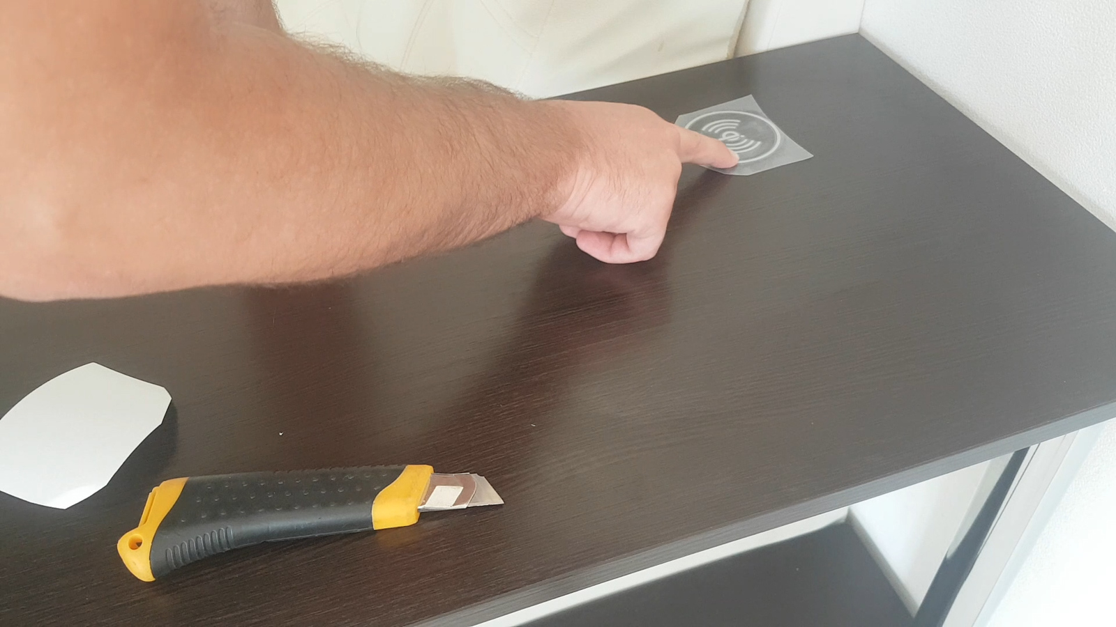 Wireless charging in the furniture with their own hands can be, deepening, painted, sides, grooves, stickers, assistance, done, fee, processing, coil, facial, make, just to, face, thickness, mill, hand, sticker