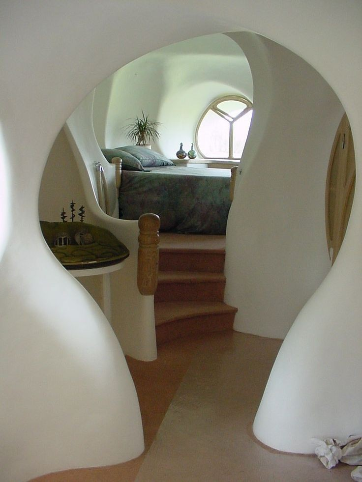 Внутри земляного дома