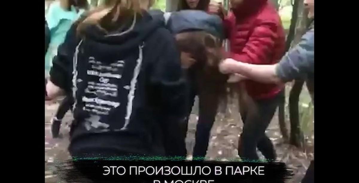 Мужик поимел телку в парке, лучшее порно здесь видео