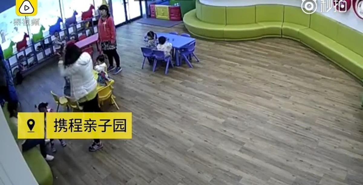 Большой член в маленькую детскую писю онлайн видео
